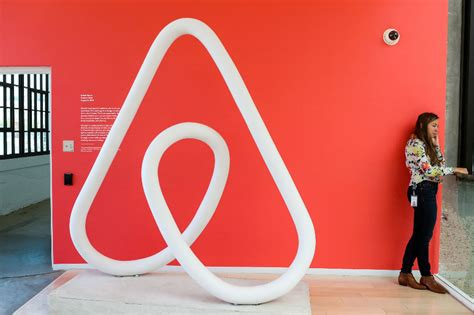 Airbnb to limit bookings by people under 25 in Canada