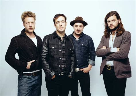 Mumford and Sons break away from old reputation with